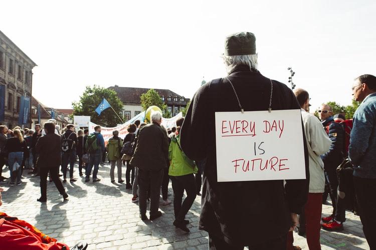 Otimismo militante aposta na esperança