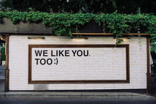 Redes sociais aprisionam